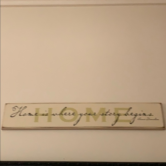 "NWT ""Home Is Where Your Story Begins"" Wall Hanging"